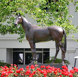 Australian tribute: The bronze of Phar Lap at Melbourne's Flemington racecourse.
