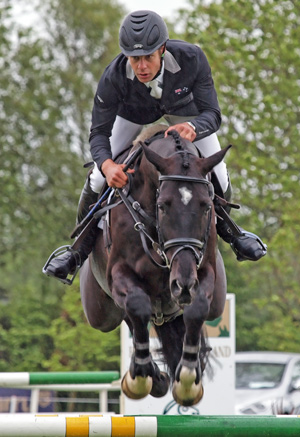 CCI** winner Chris Burton and Underdiscussion.