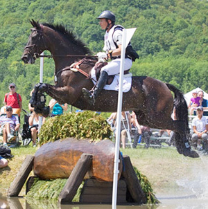 Jonathan Holling (US) and Downtown Harrison lead the CCI3* division of the Volvo Bromont Three Day Event after the cross-country.