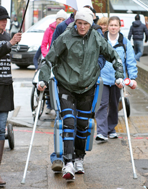 Claire Lomas on the London Marathon course.
