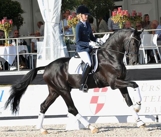 Sezuan, ridden by Emma Ahlberg.