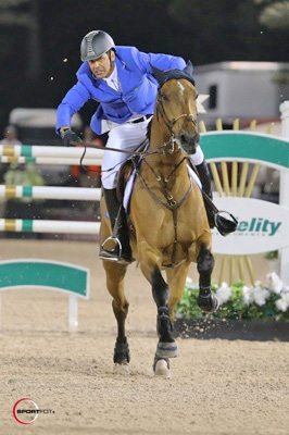 Alvaro de Miranda and AD Rahmannshof's Bogeno gallop to the finish.
