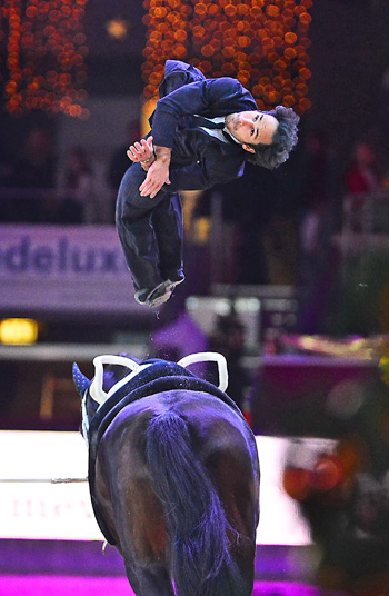 World Champion Nicolas Andreani wowed the judges with his impressive Einstein performance on Le Grand Chevalier, lunged by Eva Maria Kreiner.