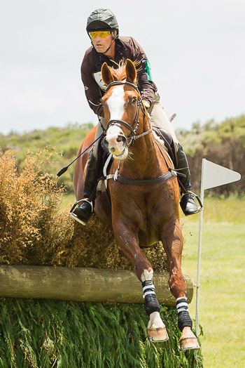 Matthew Grayling and Henton Executive on the CCI3* cross-country at Puhinui.