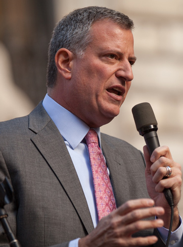 Incoming New York City mayor Bill de Blasio says he will press head with plans to end the city's Central Park carriage trade. Photo: Kevin Case