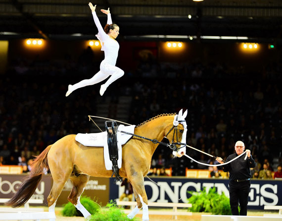 Anna Cavallaro (ITA) convinced the judges yet again of her star quality with Harley, lunged by her coach Nelson Vidoni, and retained the coveted FEI World Cup Vaulting title at the Final in Bordeaux.