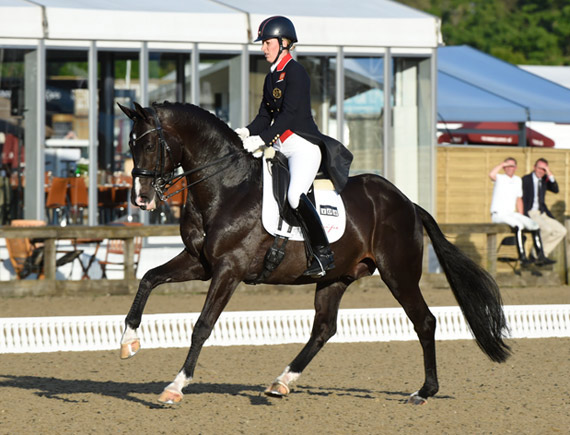 Charlotte Dujardin and Windsor CDI3* winner Uthopia.