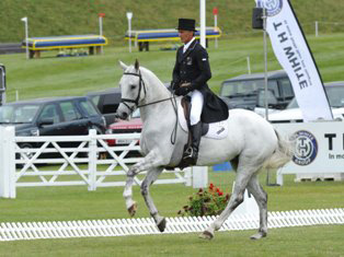Barbury CIC3* leaders Andrew Nicholson and Avebury.