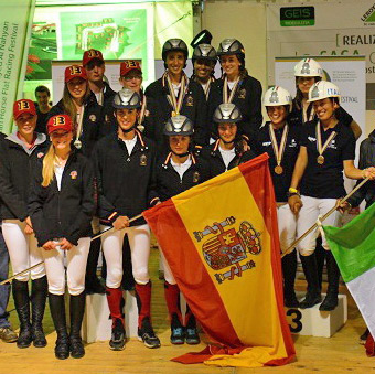 Spain (centre) won team gold at the FEI European Endurance Championships for Young Riders and Juniors 2014 in Verona, with Belgium securing silver and Italy bronze.