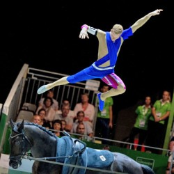 Vaulters show their technical moves as WEG contest heats up