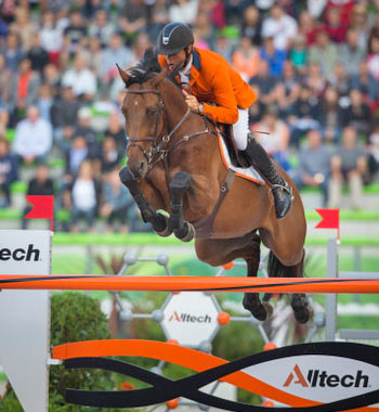Jeroen Dubbeldam and Zenith SFN produced one of the three clears that promoted the Dutch team to pole position ahead of Thursday's final round of the team Jumping championship at the Alltech FEI World Equestrian Games. © Dirk Caremans/FEI