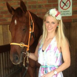 Aust trackwork rider dies after horse fall