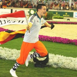 German lads in clean sweep in European Champs vaulting final